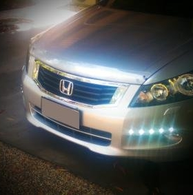 Honda with Daytime running lights.jpg